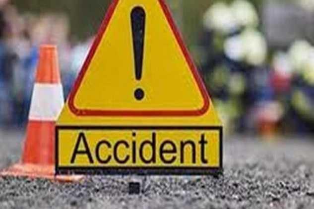 car-collision-on-bike-three-killed