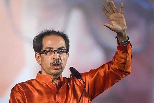 uddhav-thackeray-takes-oath-as-chief-minister-on-1-december