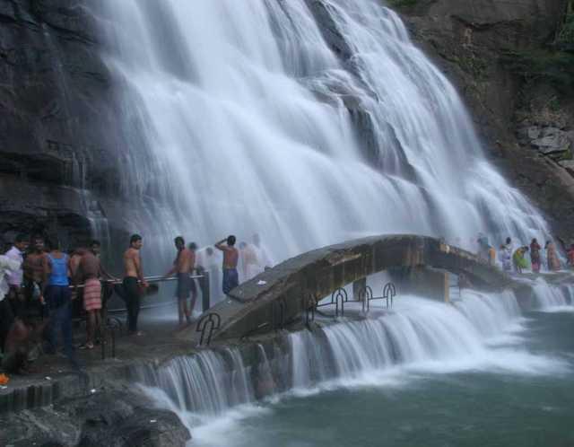 courtallam-tirparappu-forbidden-to-bathe-in-waterfalls