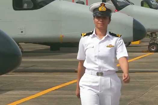 she-was-the-first-female-pilot-of-the-indian-navy