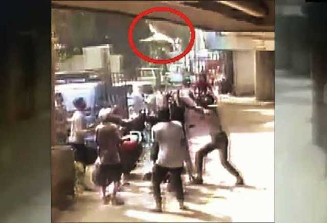 2-year-old-boy-who-fell-from-3rd-floor-of-a-building-was-saved-by-locals