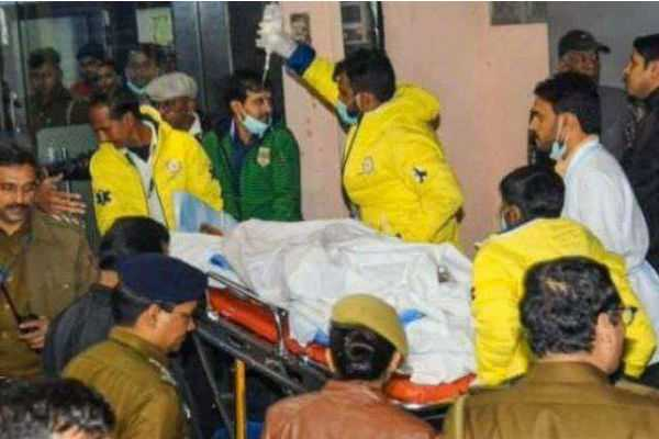 girl-who-raped-and-burnt-who-is-admitted-in-hospital-in-delhi-passes-away