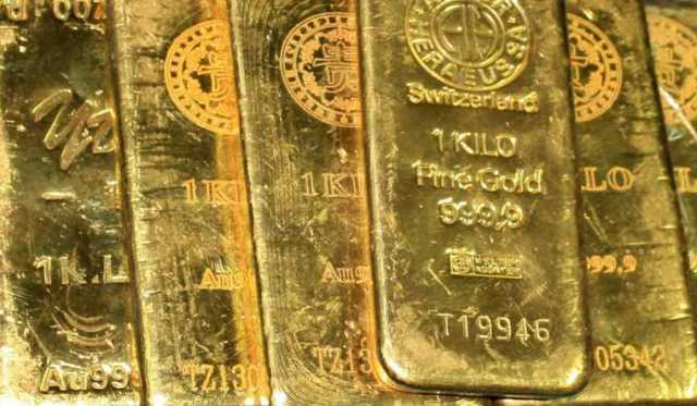 gold-seized-from-flight-si-and-woman-arrested