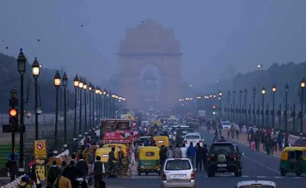 earthquake-in-delhi-people-panic