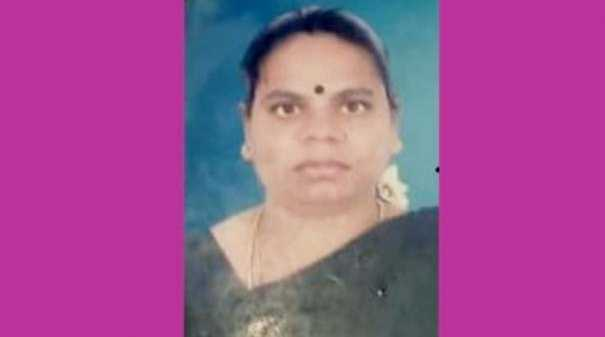 woman-stuck-in-throat-died