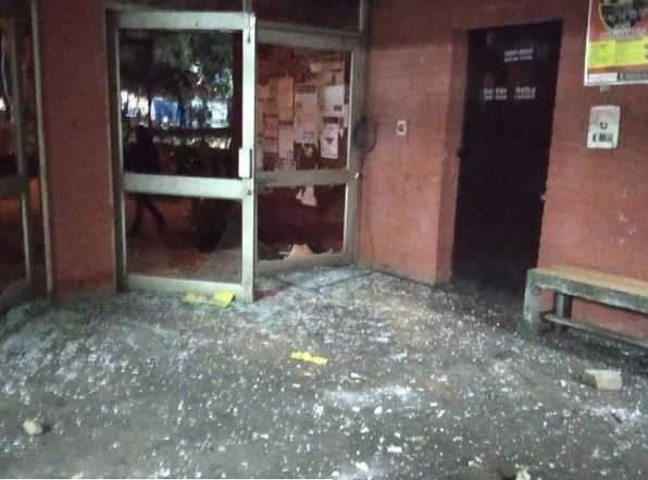 jnu-students-attacked-by-unidentified-people