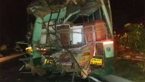 private-bus-collision-on-car-and-government-bus