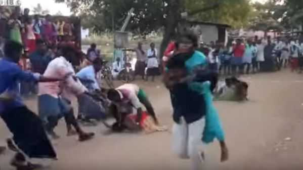 wife-carrying-competition-in-tamilnadu