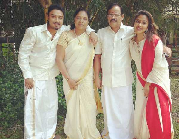 amalapaul-father-passes-away
