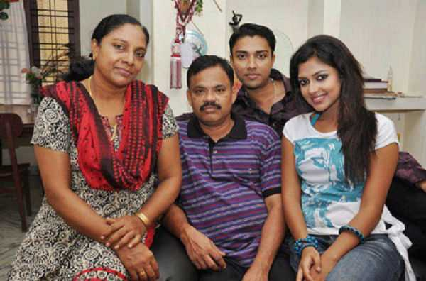 amalapaul-father-passes-away-today
