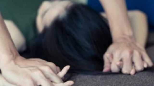 married-woman-assaulted-abused-by-ex-lover-in-front-of-her-son