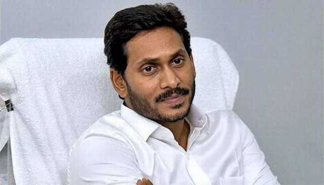 jaganmohan-reddy-is-facing-issues-from-his-family-murder-case