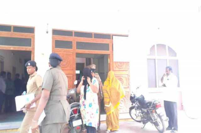 admk-woman-arrested-by-prostitution-case