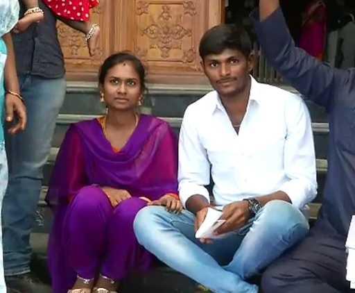 couple-protest-salem-collector-office-seeking