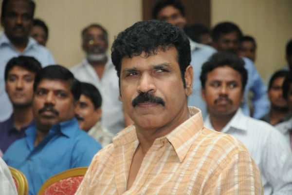director-actor-raj-kapoor-son-passes-away